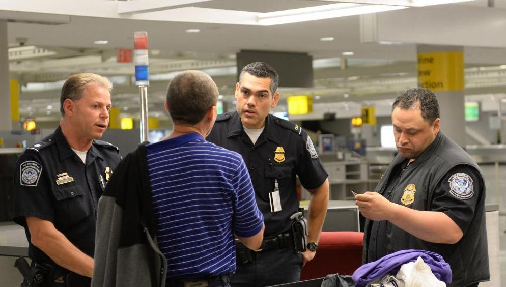 amerikai vámellenőrzés